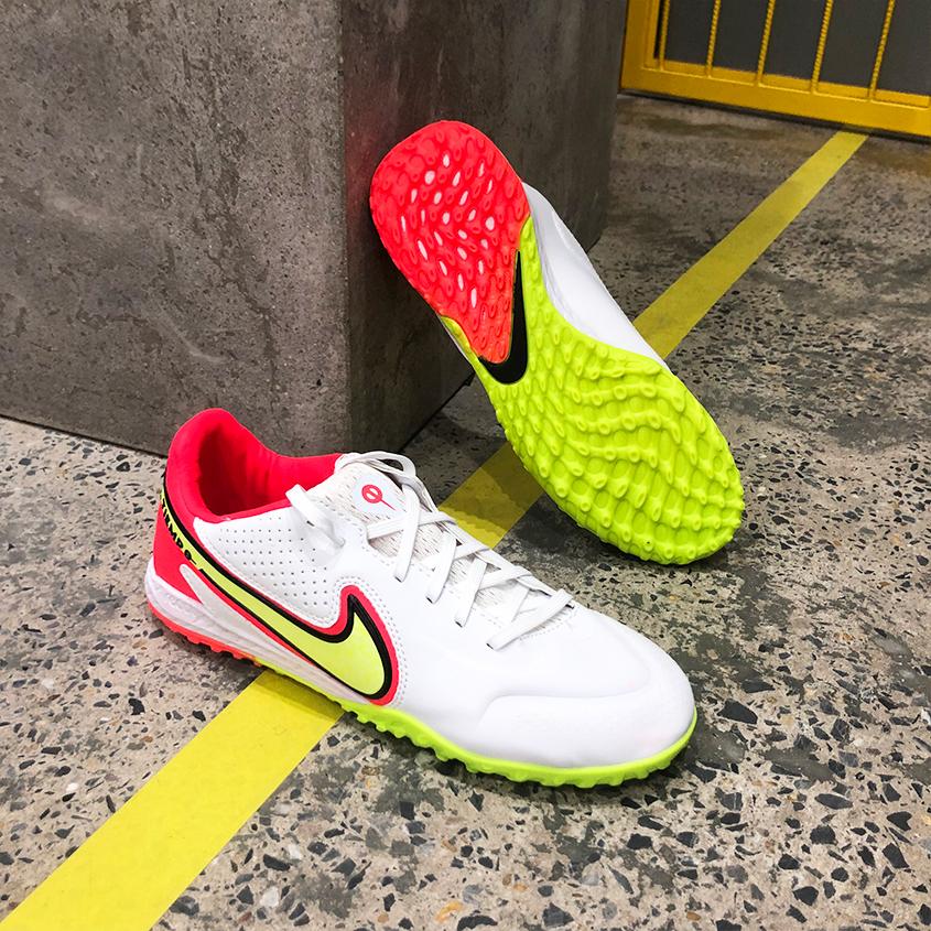 Giày Bóng Đá Nike React Tiempo Legend 9 Pro Trắng Vạch Vàng Gót Đỏ HQ TF