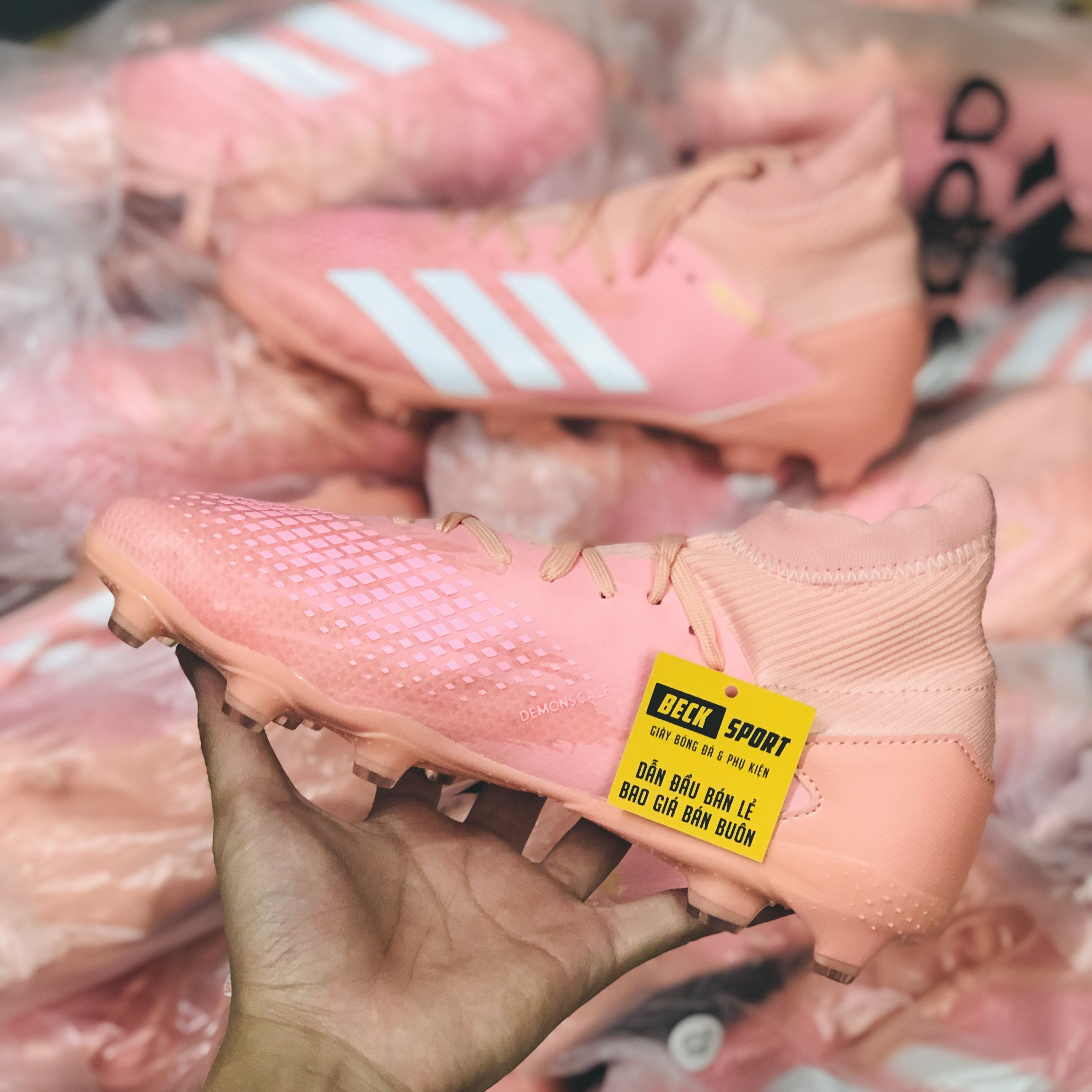 Giày Bóng Đá Adidas Predator 20.3 Hồng Vạch Trắng Cao Cổ FG