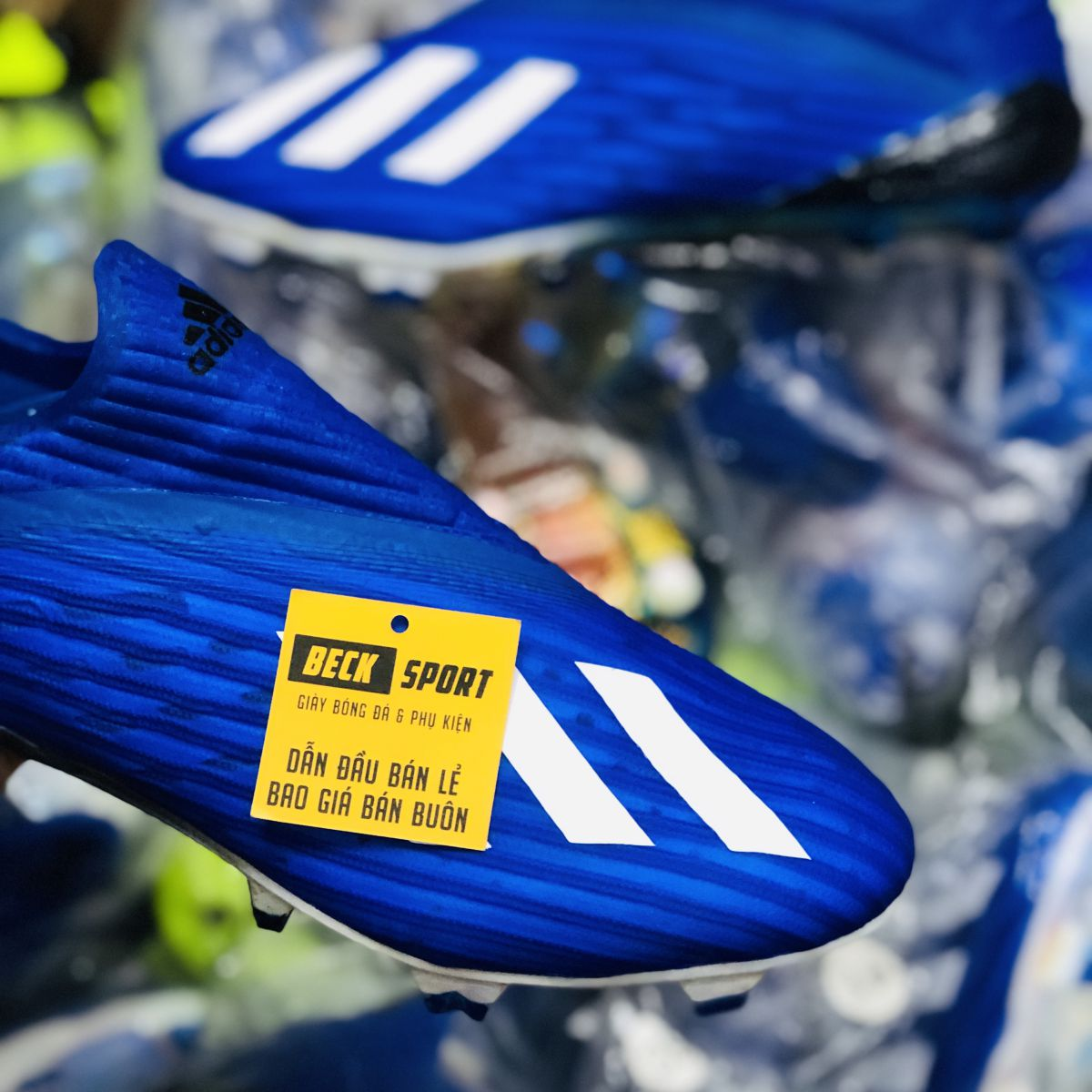Giày Bóng Đá Adidas X 19+ Xanh Biển Vạch Trắng Đế Bóng Không Dây FG