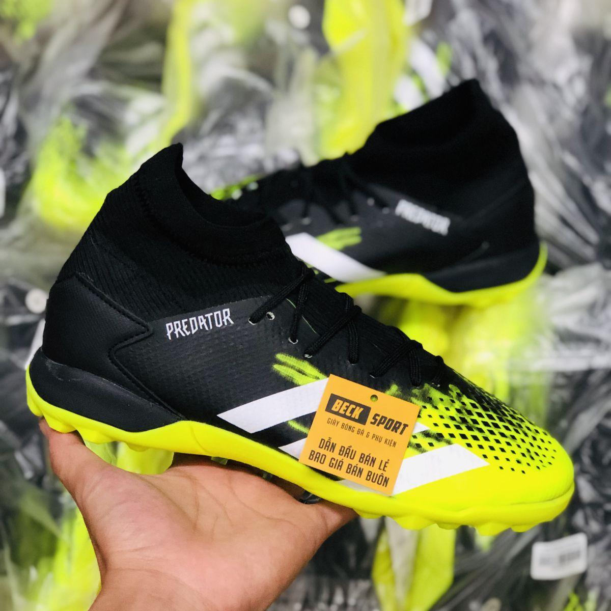 Giày Bóng Đá Adidas Predator 20.3 Đen Nõn Chuối Vạch Trắng Cổ Cao TF