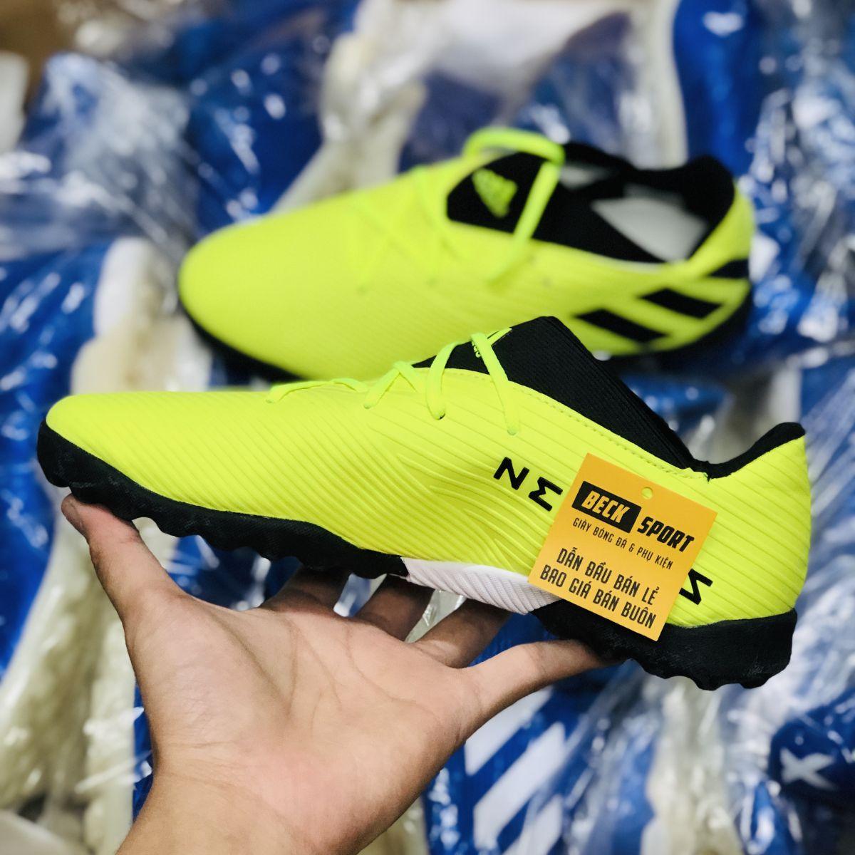 Giày Bóng Đá Adidas Nemeziz 19.2 Nõn Chuối Vạch Đen Đế Đen TF