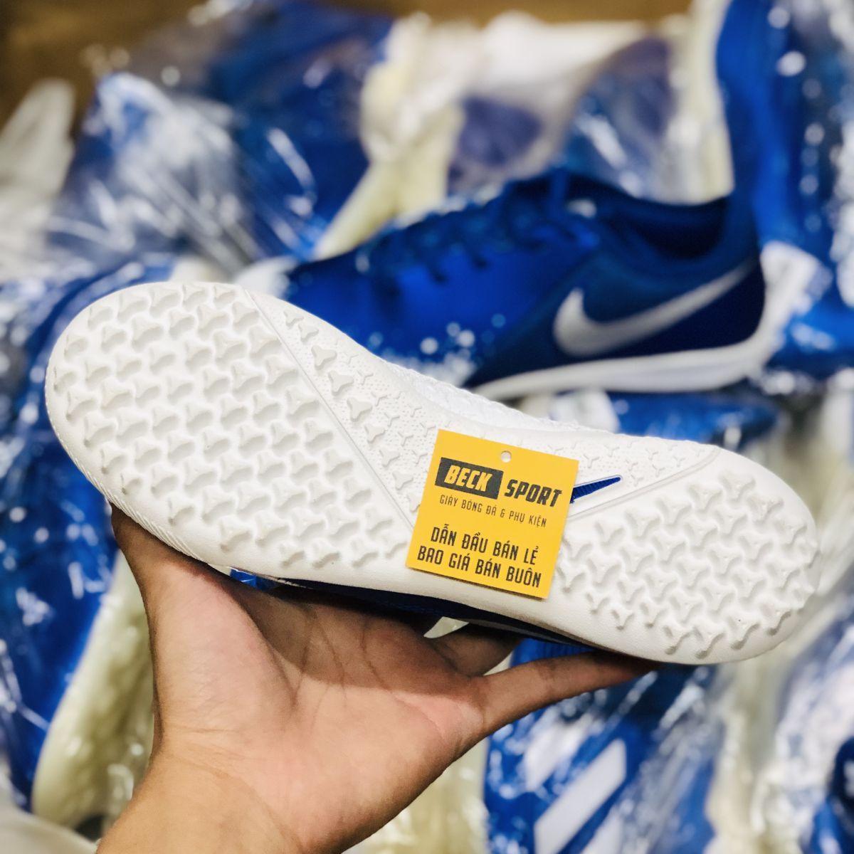 Giày Bóng Đá Nike Phantom VSN Xanh Biển Vạch Trắng Đế Trắng Gót Lưới TF