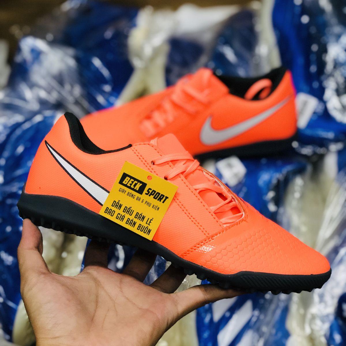 Giày Bóng Đá Nike Phantom VNM Club Cam Đỏ Vạch Trắng TF