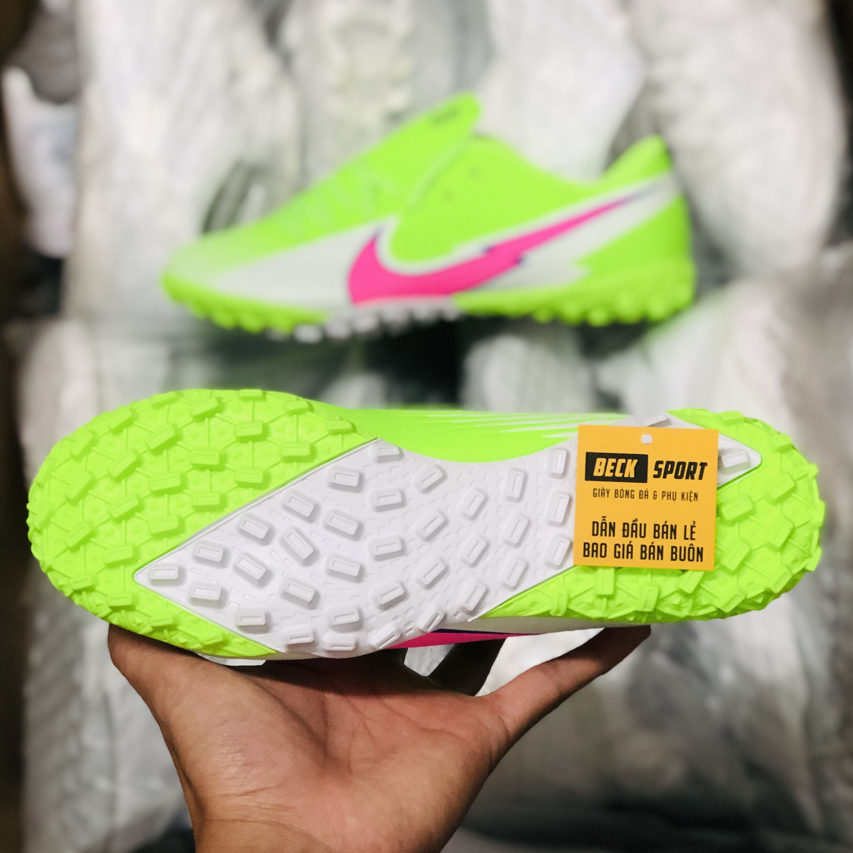 Giày Bóng Đá Nike Mercurial Vapor 13 Academy Nõn Chuối Trắng Vạch Hồng V2 TF