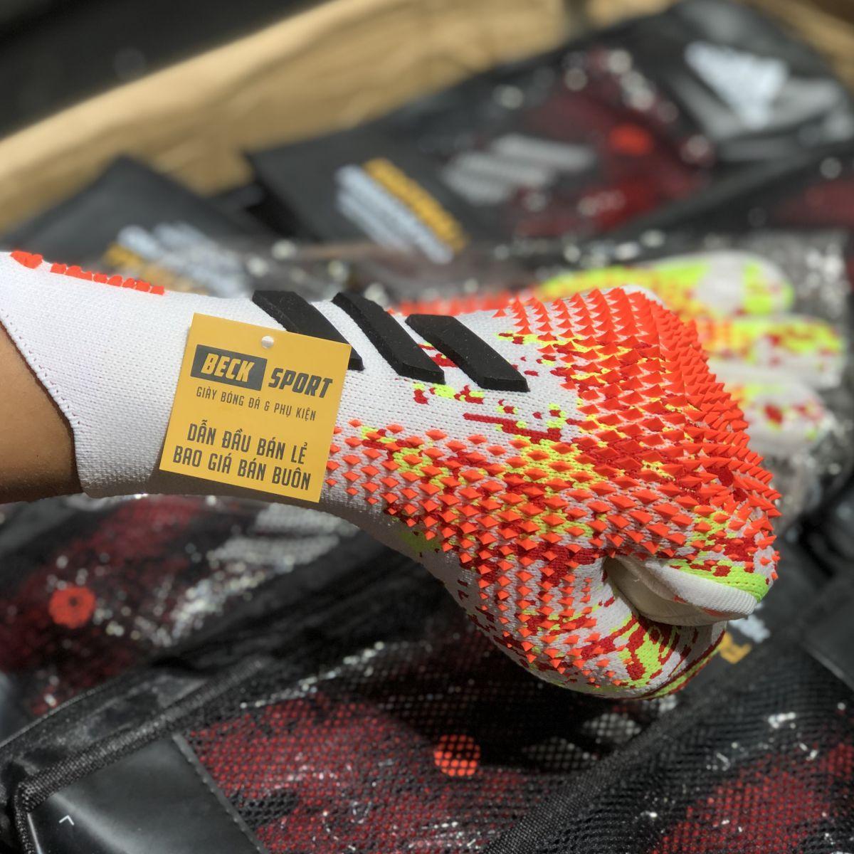Găng Tay Adidas Predator 20 Pro PC Uniforia Trắng Đỏ Nõn Chuối Vạch Đen Loại 1 ( Không Xương )