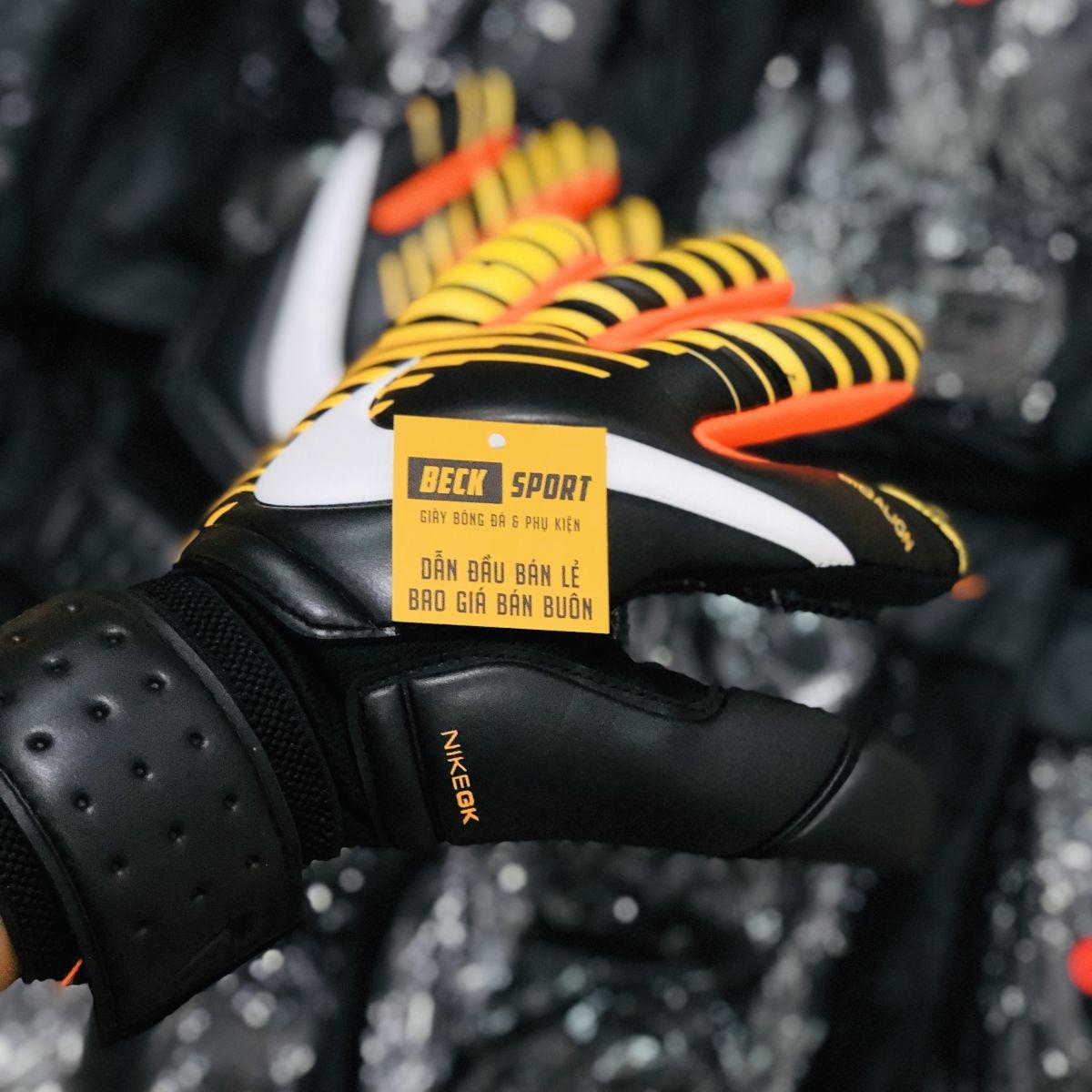 Găng Tay Nike Vapor Grip 3 Đen Vàng ( Không Xương)