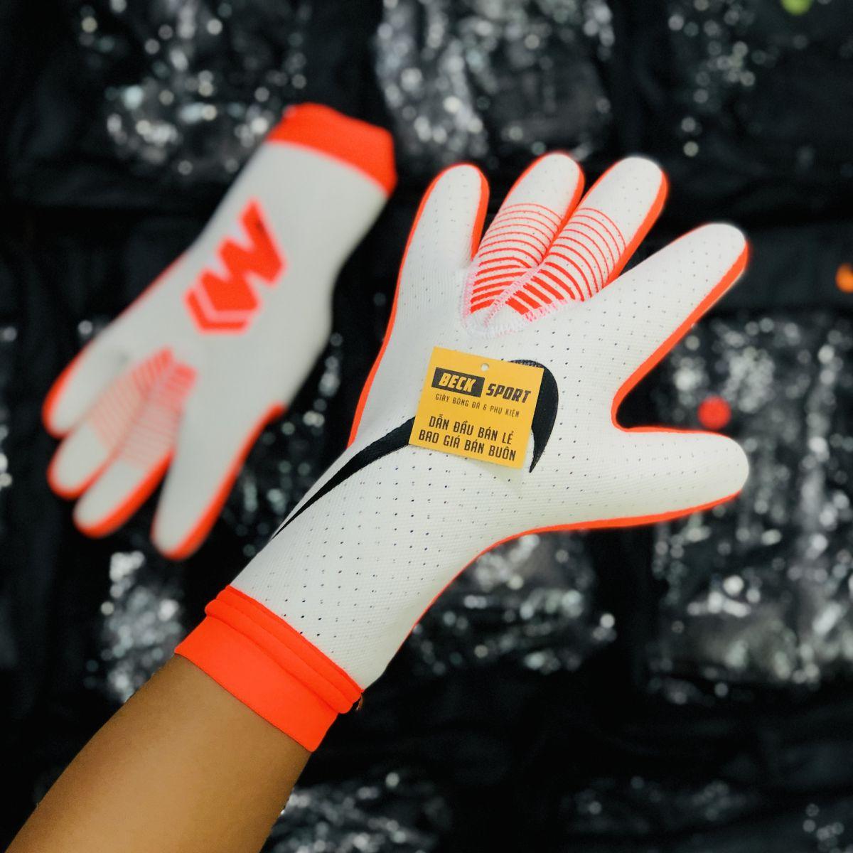 Găng Tay Nike Mercurial Touch Trắng Cam ( Không Xương)