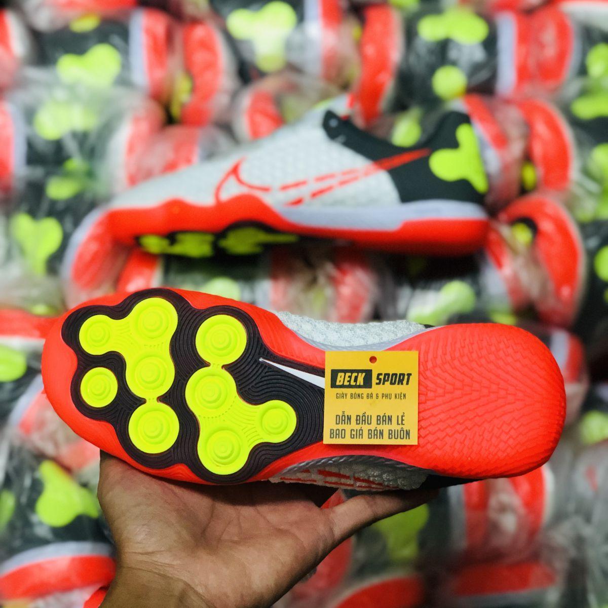 Giày Bóng Đá Nike React Gato Trắng Gót Xám Vạch Cam IC