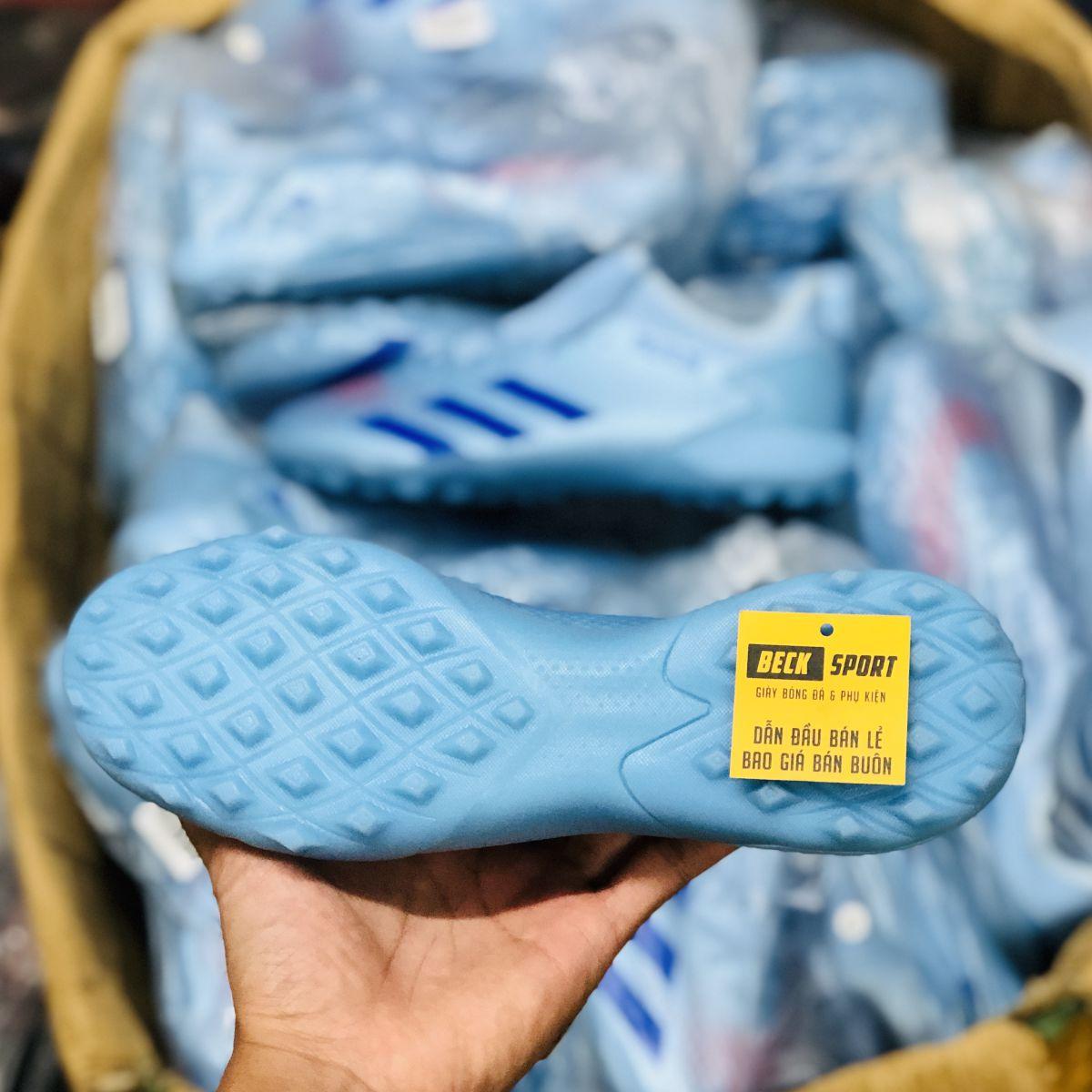 Giày Bóng Đá Adidas Predator 20.3 Xanh Dương Nhạt HQ TF