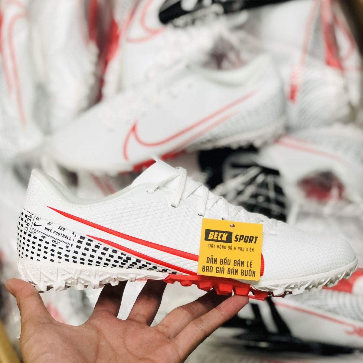 Giày Bóng Đá Nike Mercurial Vapor 13 Academy Trắng Đen Vạch Đỏ V2 TF