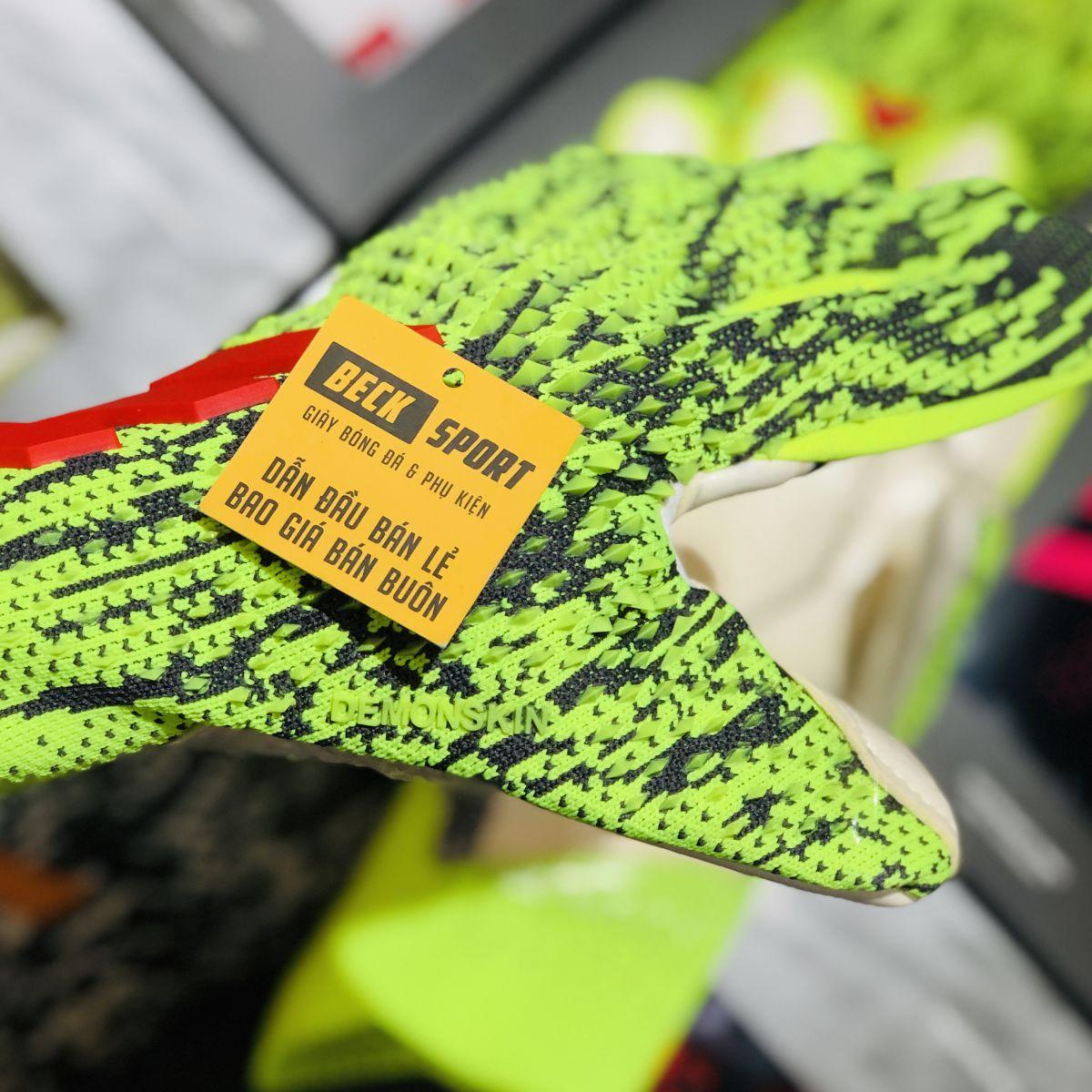 Găng Tay Adidas Predator 20 Pro PC Xanh Lá Vạch Đỏ V2 ( Không Xương )