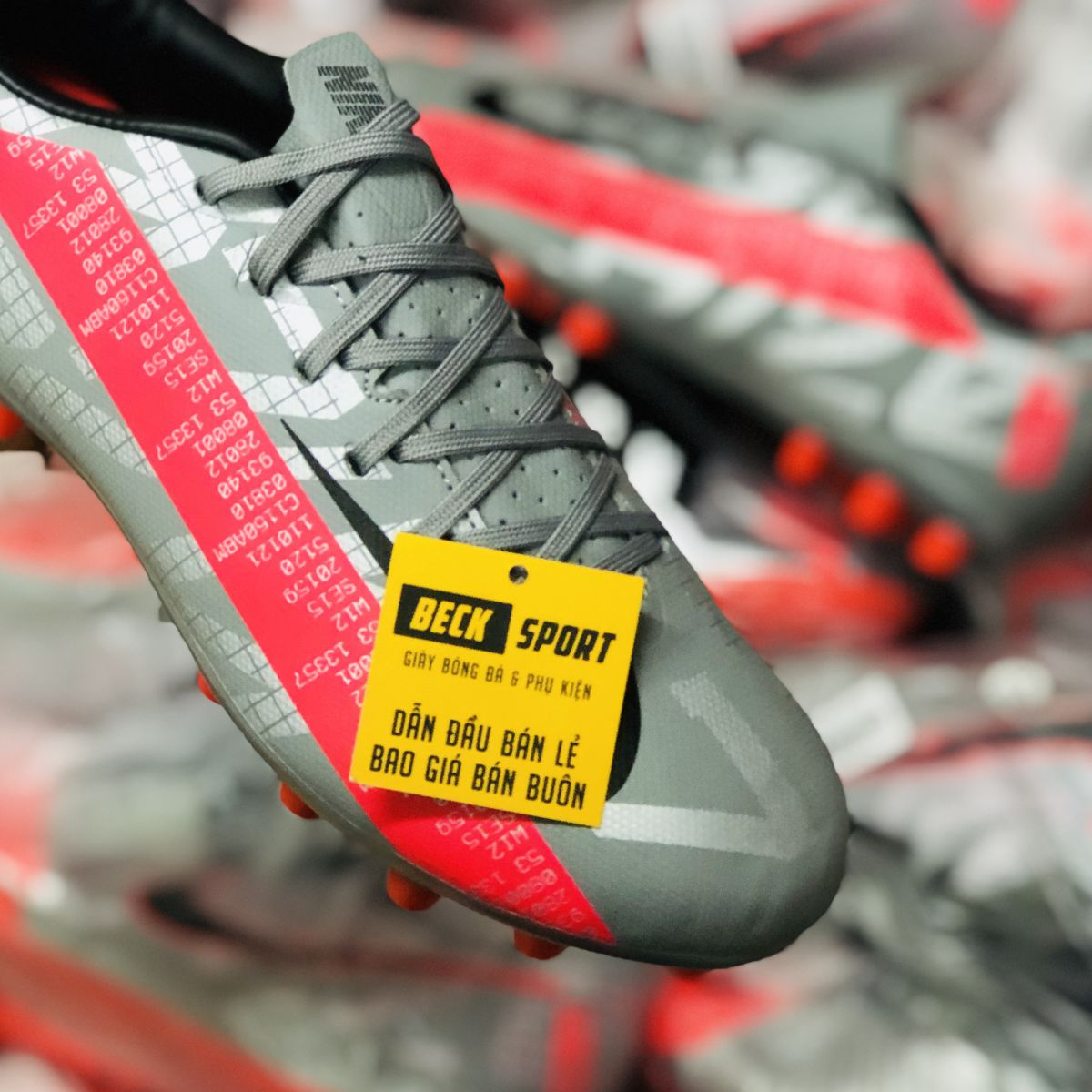Giày Bóng Đá Nike Mercurial Vapor 13 Academy Xám Hồng Vạch Đen AG