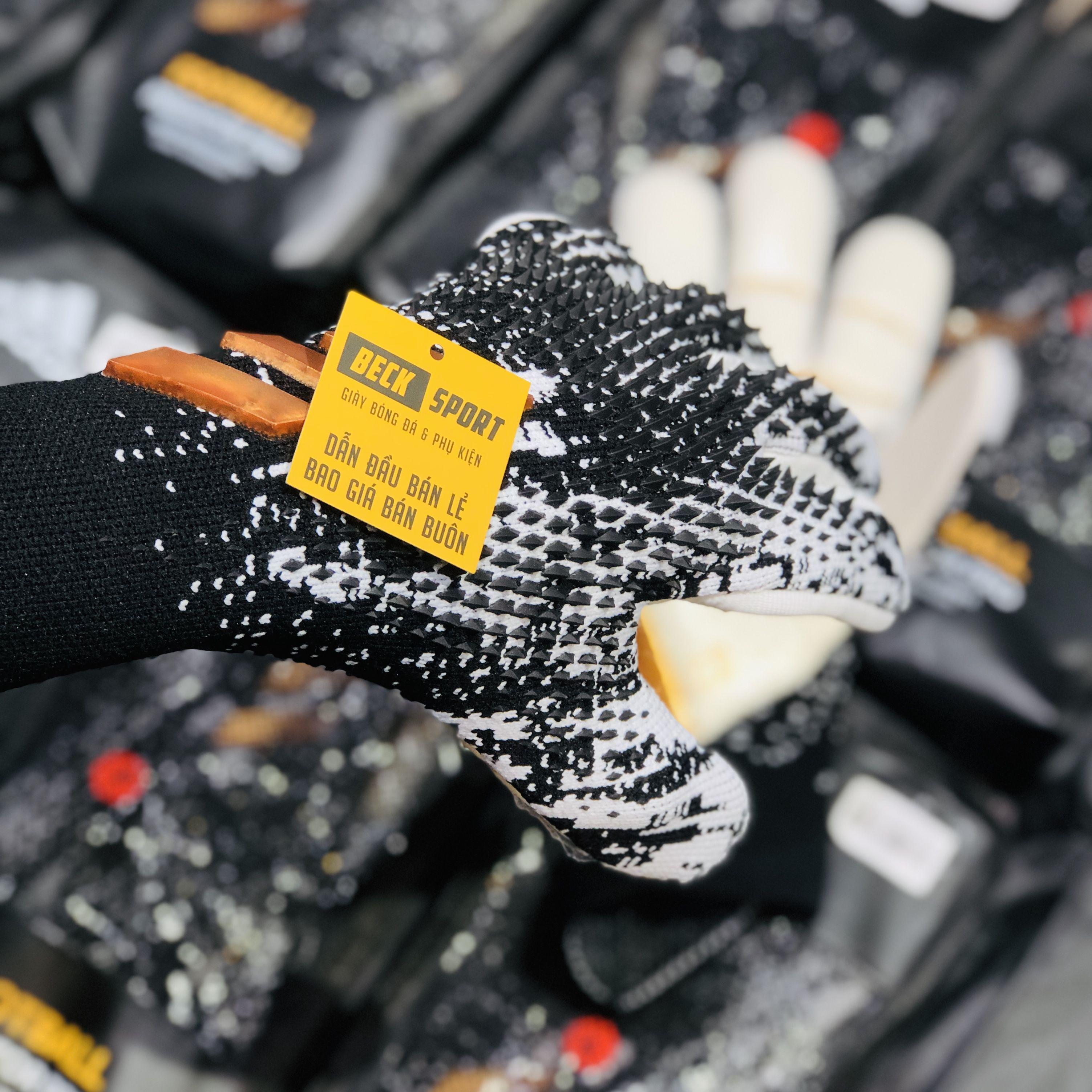 Găng Tay Adidas Predator 20 Pro PC Đen Trắng Vạch Vàng ( Không Xương )