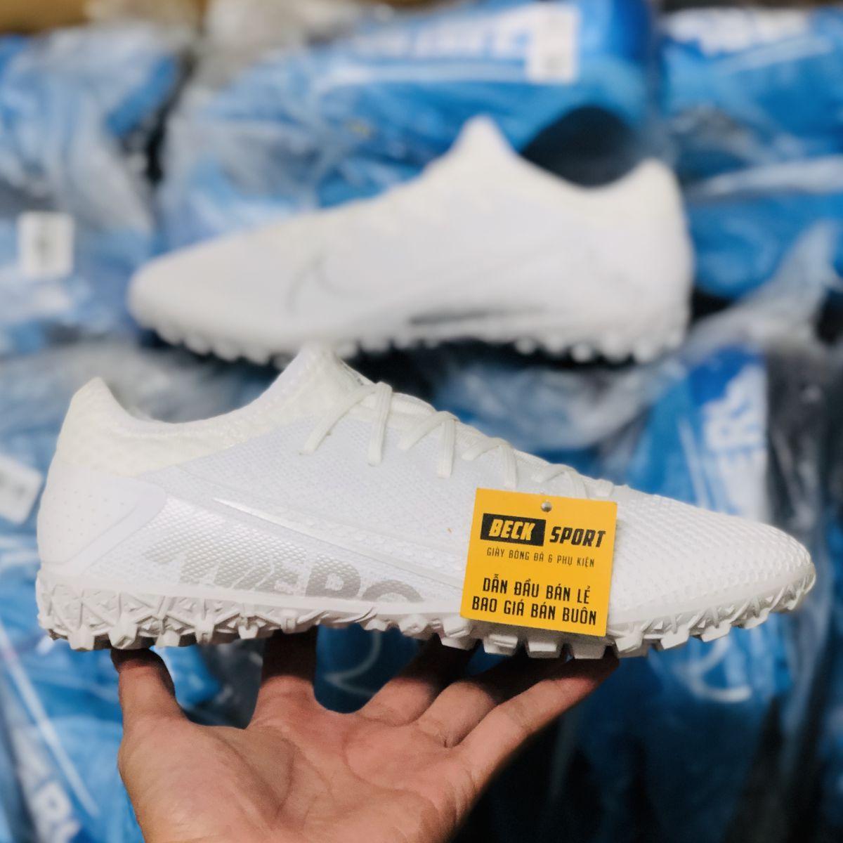 Giày Bóng Đá Nike Mercurial Vapor 13 Pro Trắng Vạch Xám HQ TF