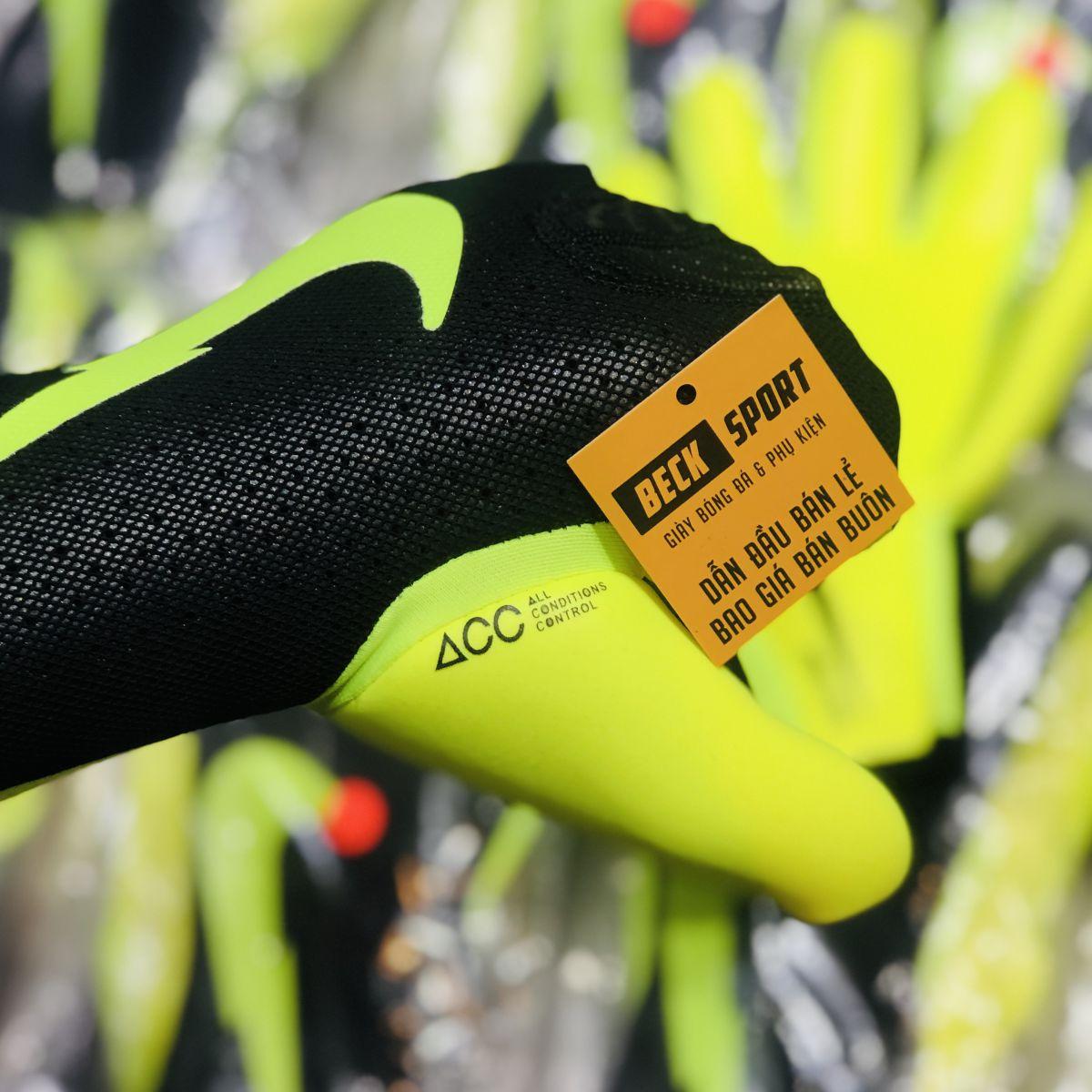 Găng Tay Nike Mercurial Touch Đen Vạch Nõn Chuối ( Không Xương)