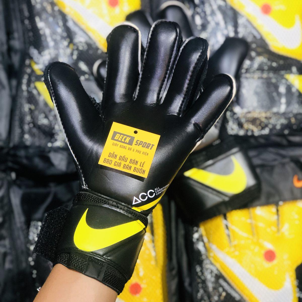 Găng Tay Nike Vapor Grip 3 Vàng Đen Vạch Trắng ( Không Xương )