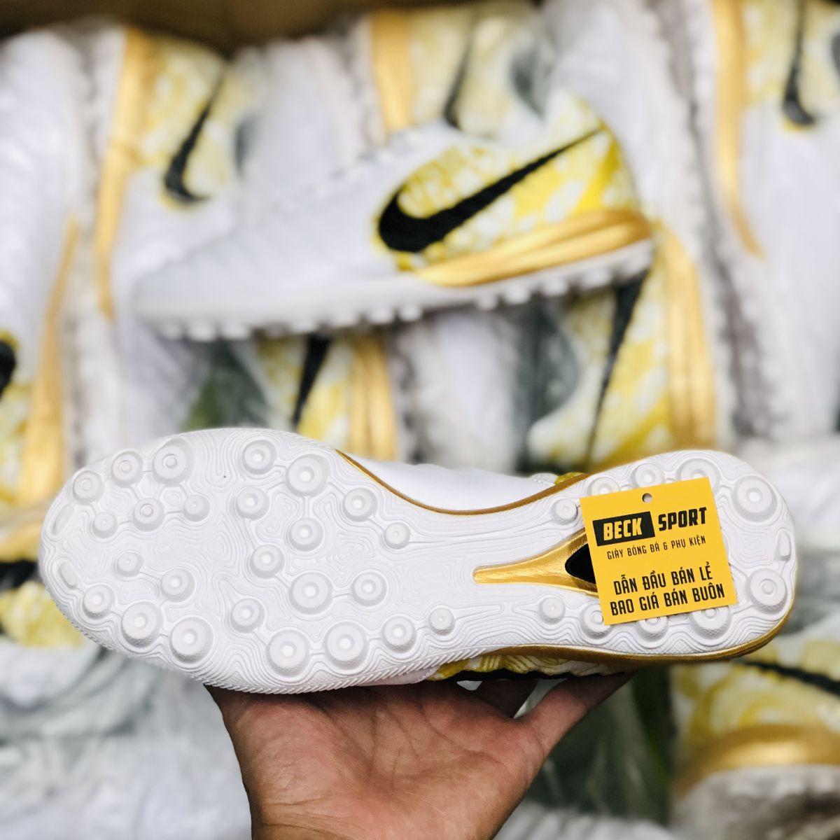 Giày Bóng Đá Nike Tiempo Lunar Legend 7 Pro SR4 Trắng Vạch Đen Gót Vàng TF