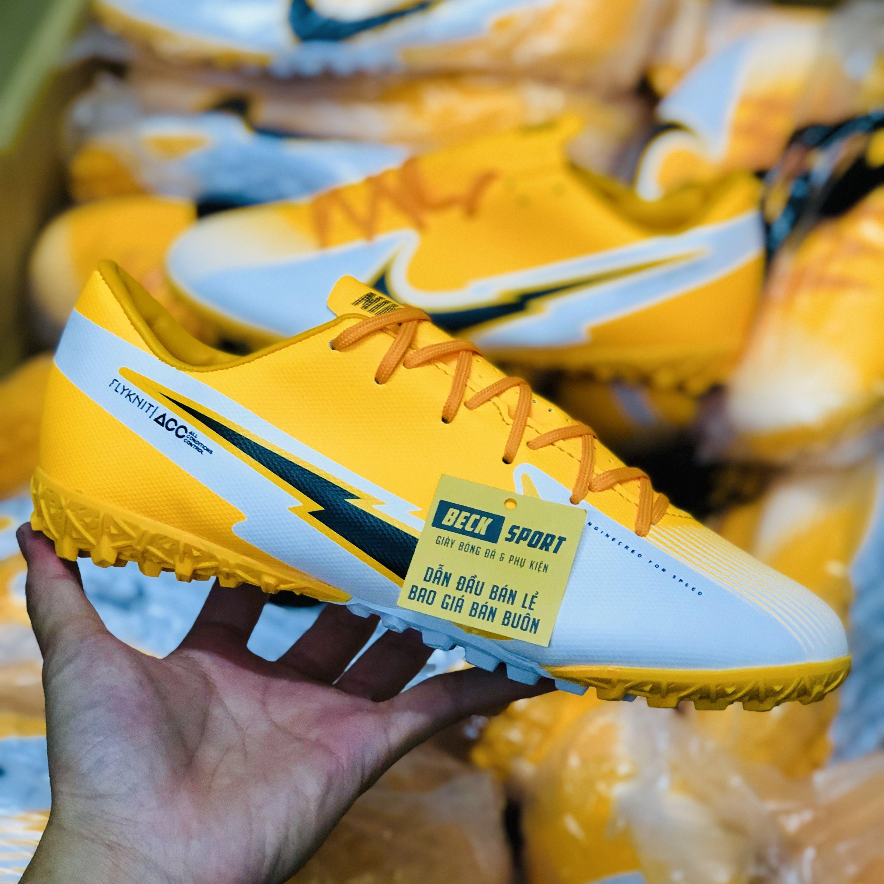 Giày Bóng Đá Nike Mercurial Vapor 13 Academy Cam Trắng Vạch Đen TF
