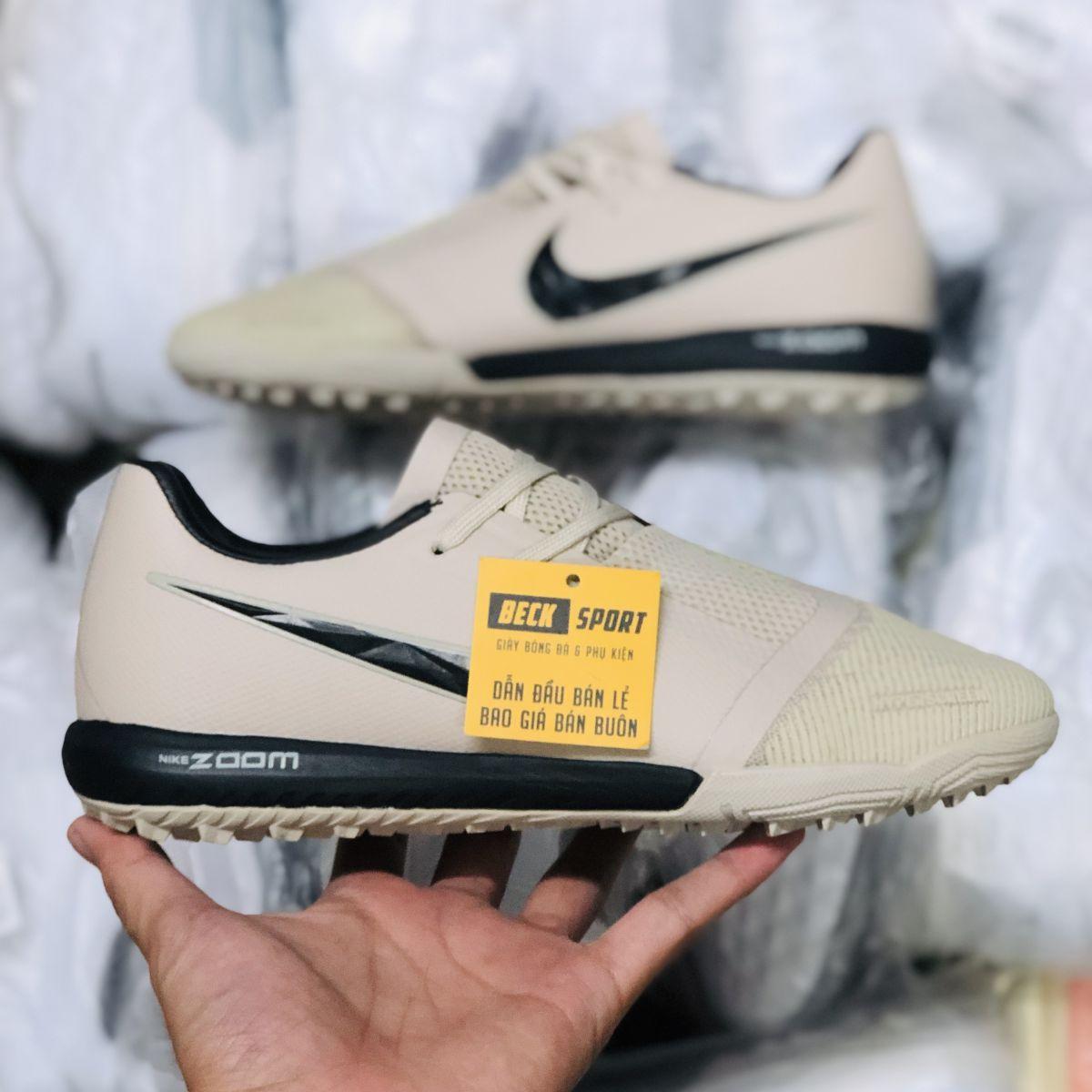 Giày Bóng Đá Nike Zoom Phantom VNM Pro Nâu Sữa Vạch Đen Giấu Dây TF