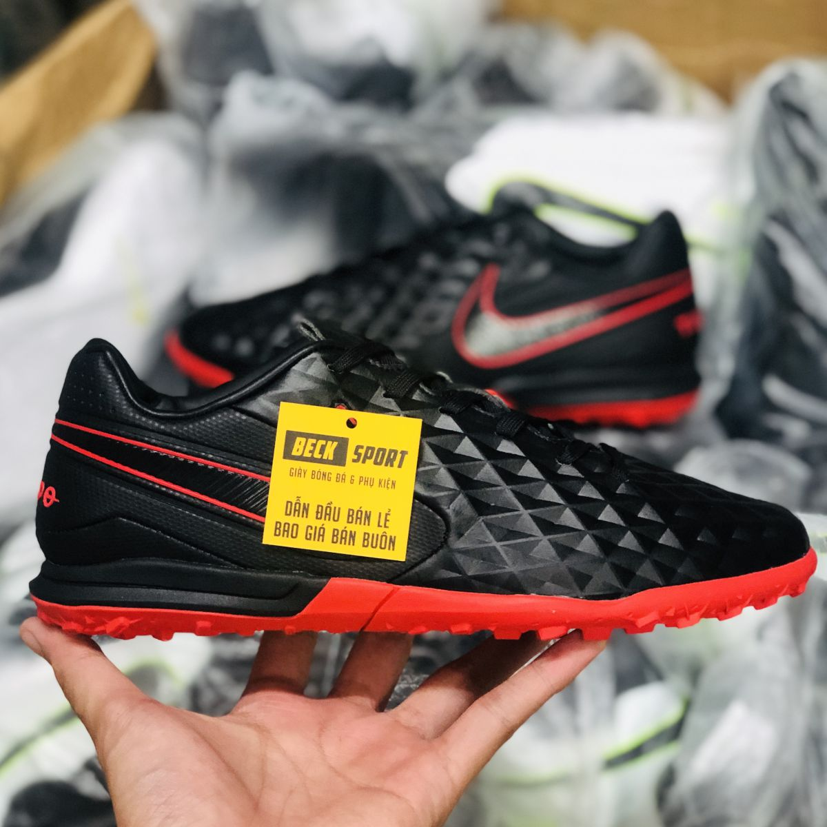 Giày Bóng Đá Nike Tiempo Legend 8 Pro Đen Đế Đỏ HQ TF
