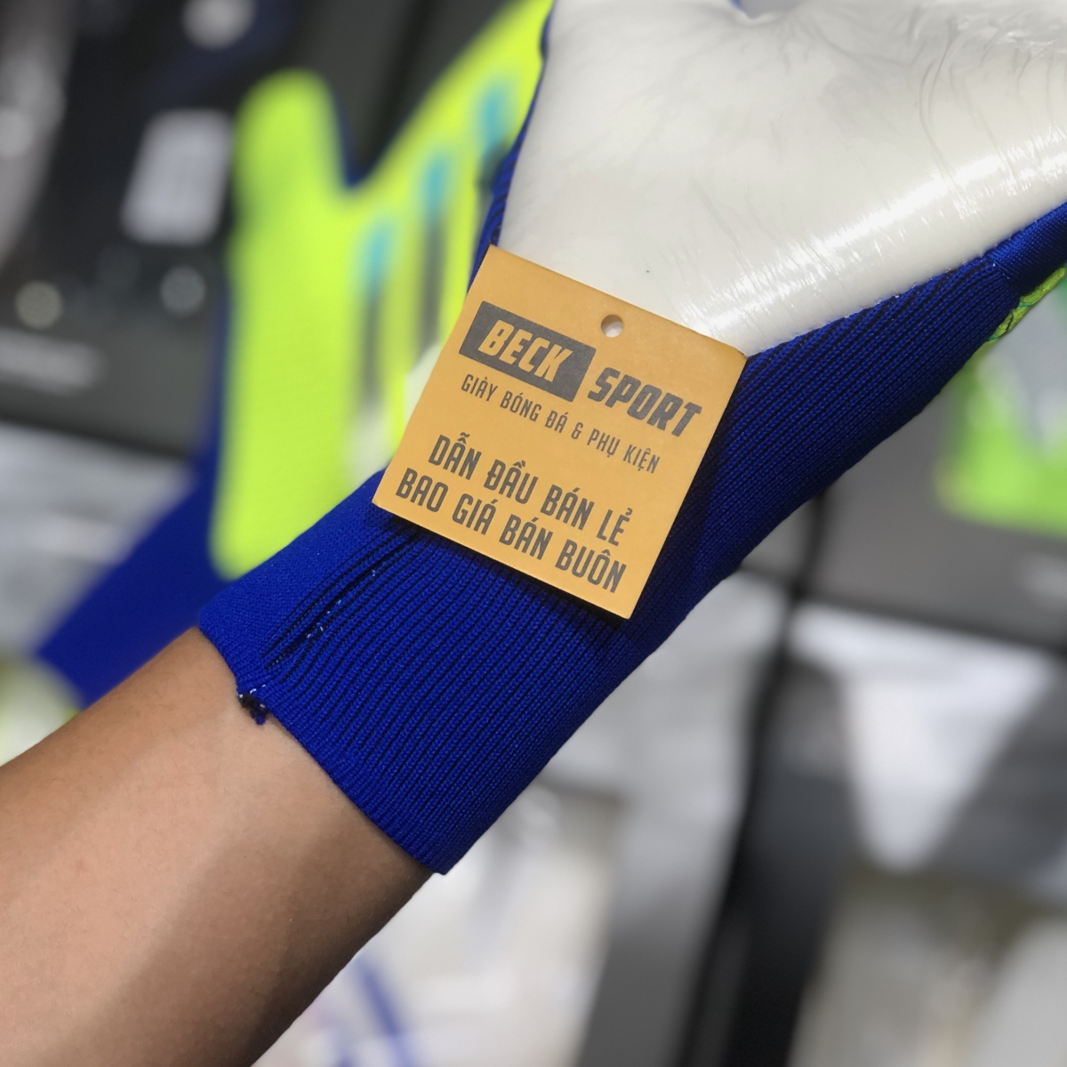 Găng Tay Adidas X Pro Nõn Chuối Xanh Biển Vạch Đen (Không Xương)