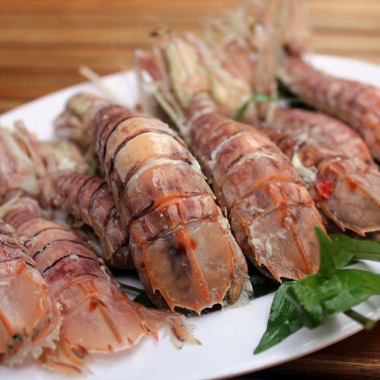 be-be-hap-nuoc-dua-boiled-mantis-shrimp-with-coconut-and-fish-sauce