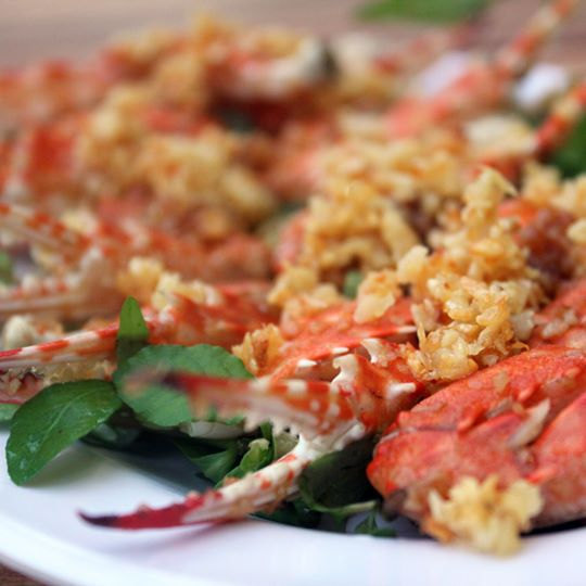 cang-ghe-xao-toi-stir-fried-green-crab-claws-with-garlic