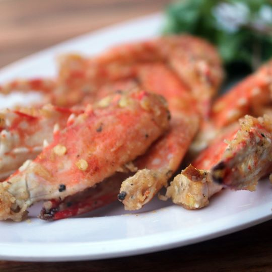 cang-ghe-rang-pho-mai-stir-fried-green-crab-claws-with-cheese