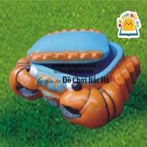 bể chơi cát và nước hình con cua