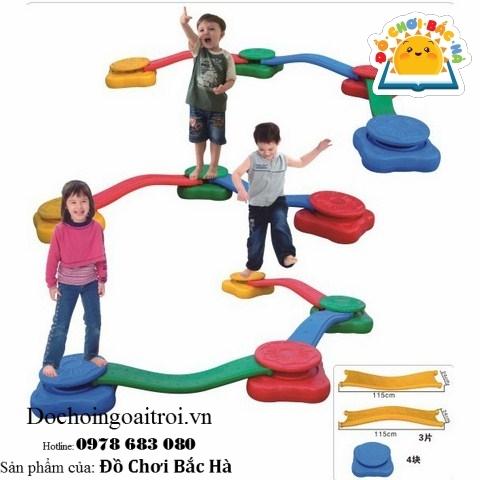 cầu thăng bằng cho bé