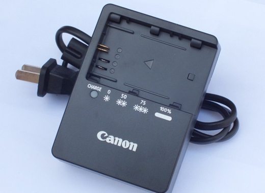 Sạc Canon cho pin LP-E6