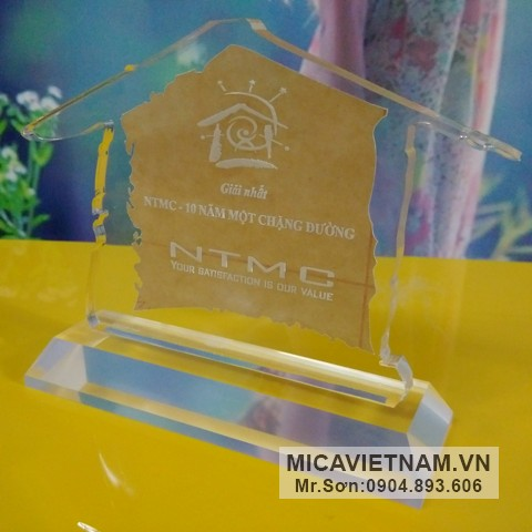 [Hà Nội] Micomax – Nhà sản xuất biểu trưng mica hàng đầu Việt Nam Bieu-trung-mica-dep