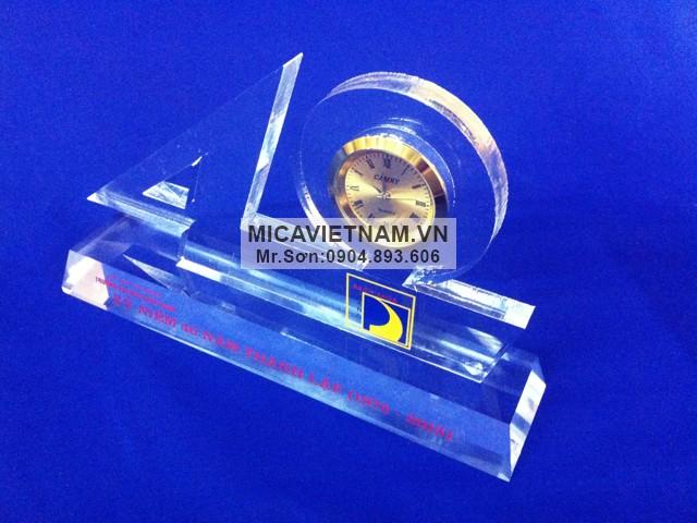 [Hà Nội] Micomax – Nhà sản xuất biểu trưng mica hàng đầu Việt Nam Ky-niem-chuong-mica-so40
