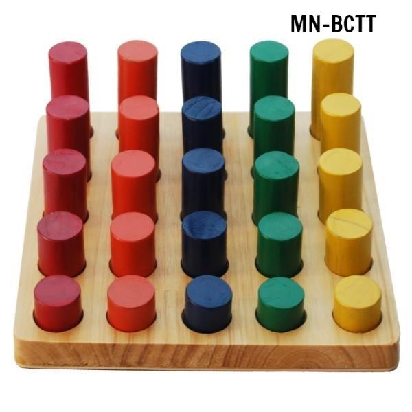 MN-BCTT - Xếp hình trụ gỗ giảm dần tập PHCN bàn tay