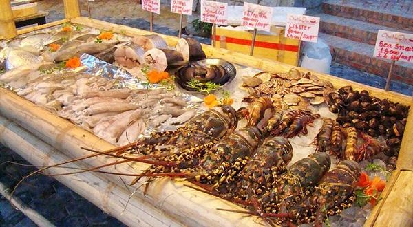 Kết quả hình ảnh cho chợ hải sản cửa lò