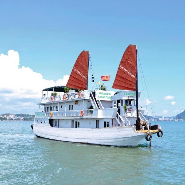 Bai Tu Long Bay- 3 days/ 2 nights on boat