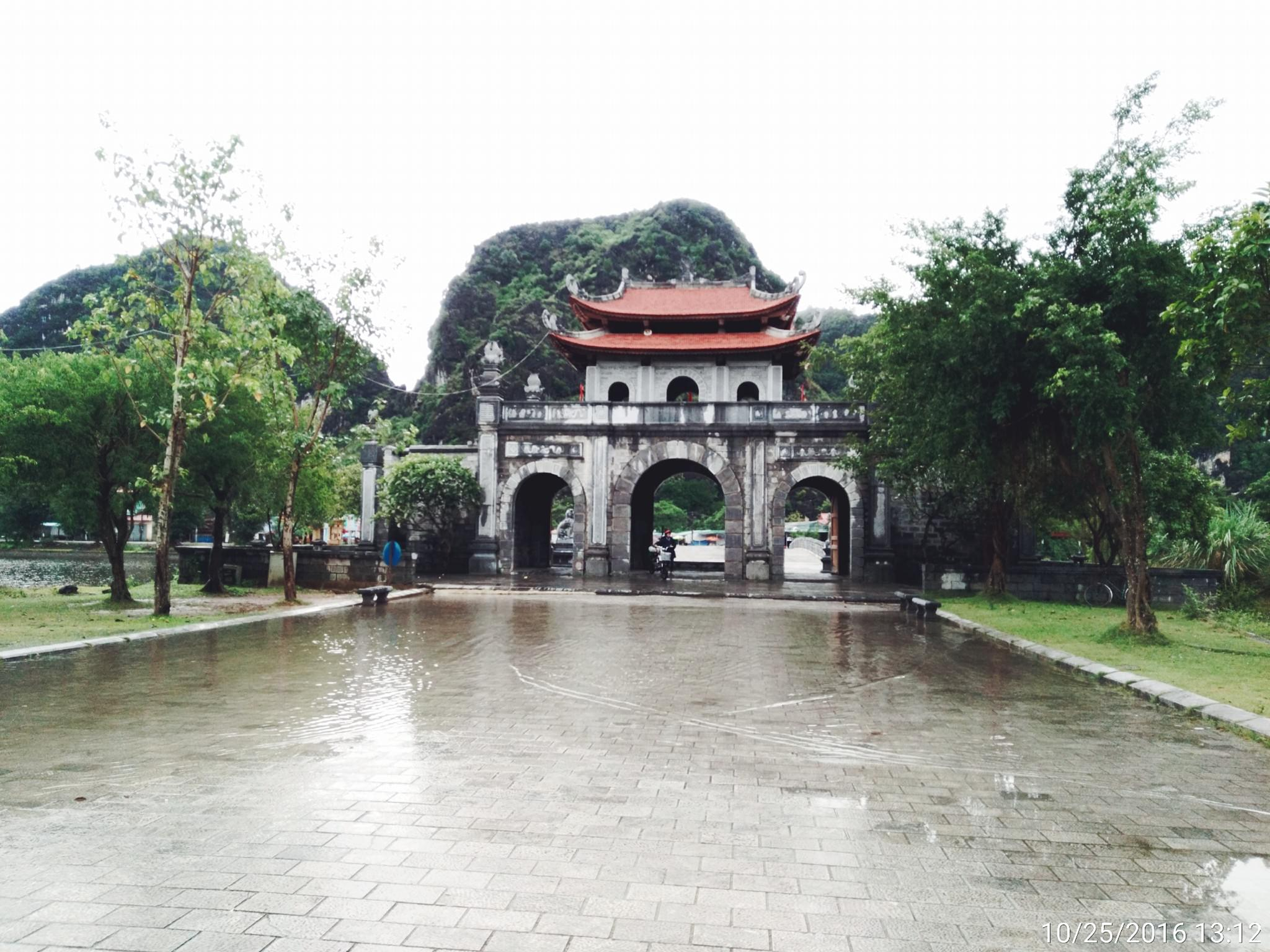 HOA LU-THUNG NHAM-1 DAY