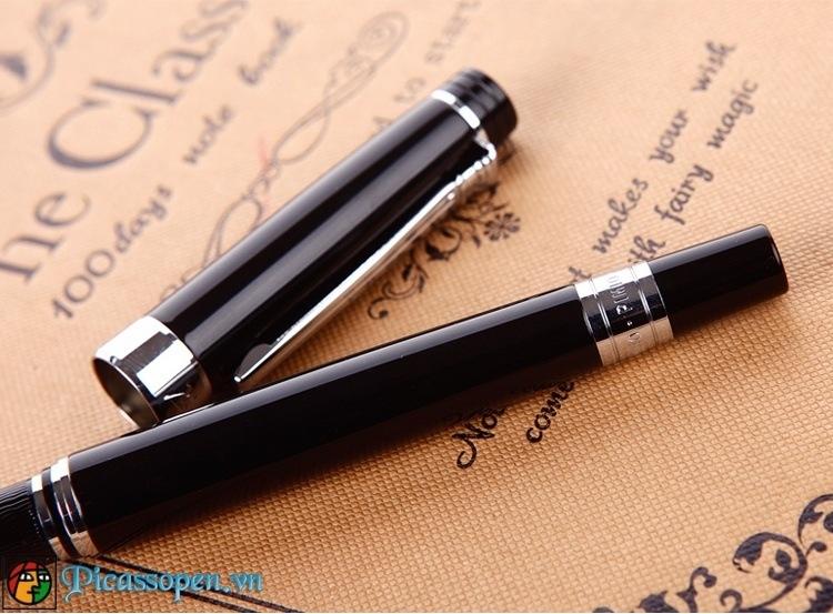 Chi tiết thiết kế bút dạ bi cao cấp Picasso 917 màu đen cài bạc