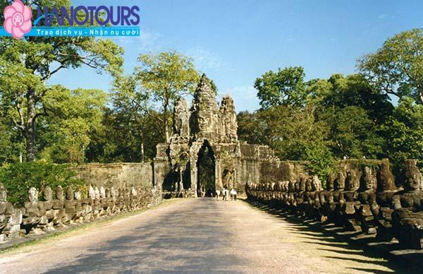 Cổng nam Angkor Wat Campuchia