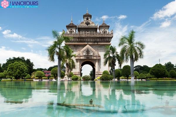 Thị trấn Laksao Lào