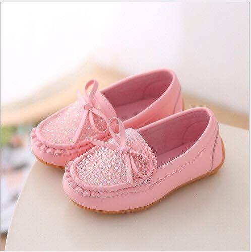 Giày hồng kim tuyến mã M40