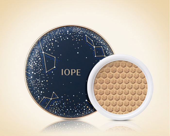 Phấn nước IOPE Air Cushion Cover + refill Constellation Holiday Edition