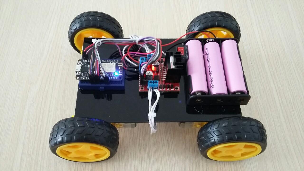 Xe robot 4 bánh điều khiển bằng sóng Wifi ( nodeMCU và Blynk )