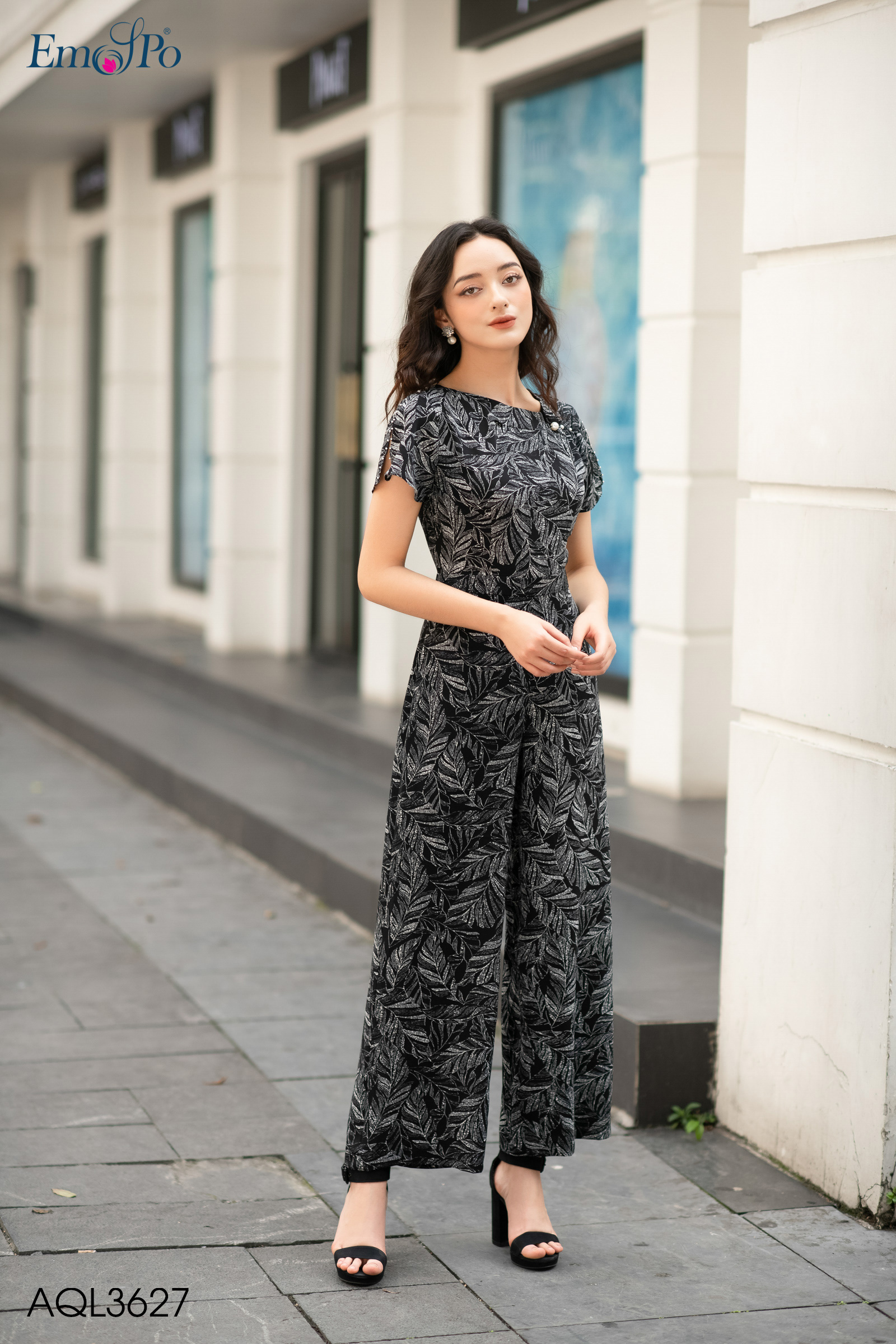 jumpsuit-co-tron-tay-coc-quan-ong-suong-aql3627