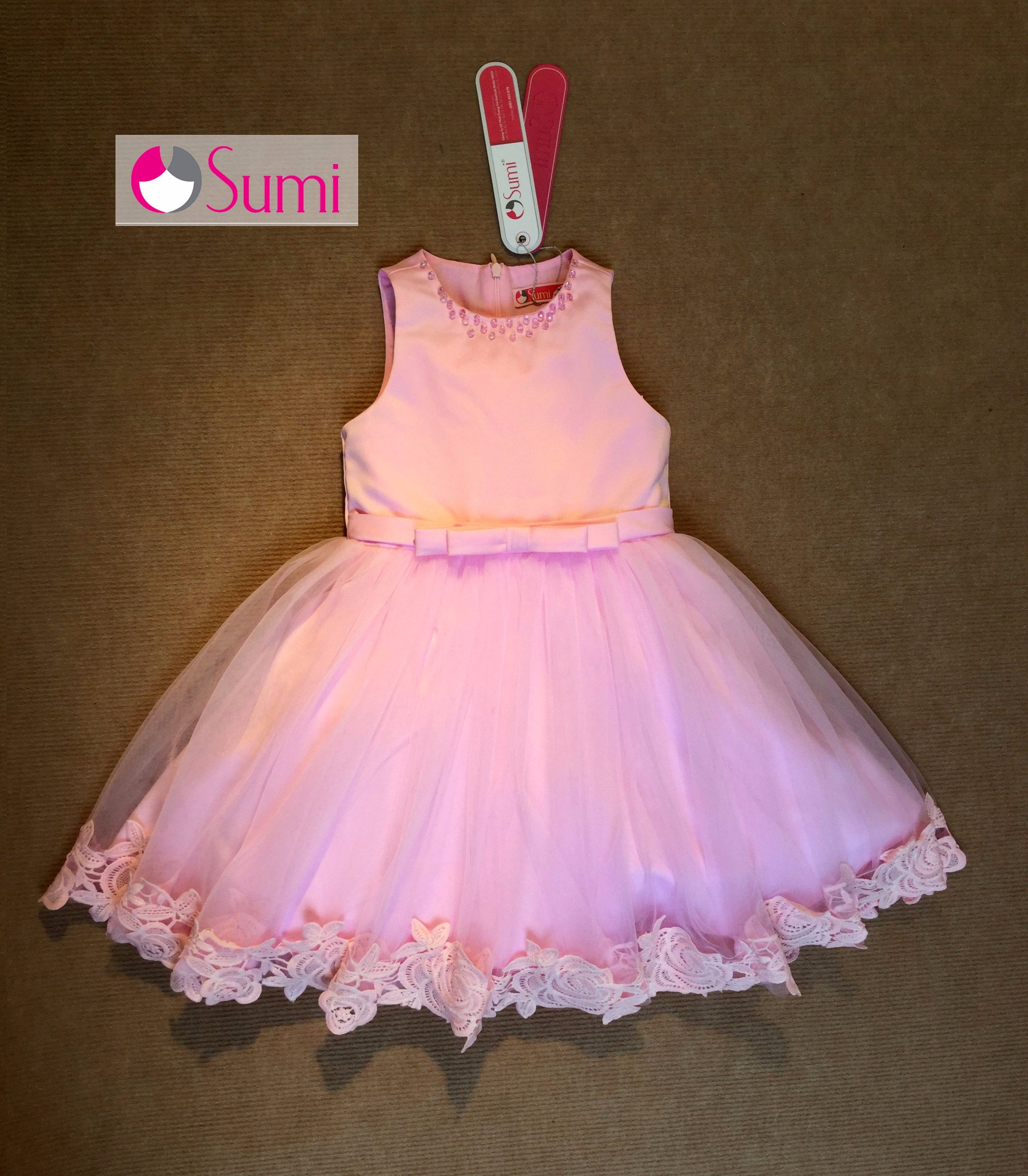 Đầm công chúa Ren