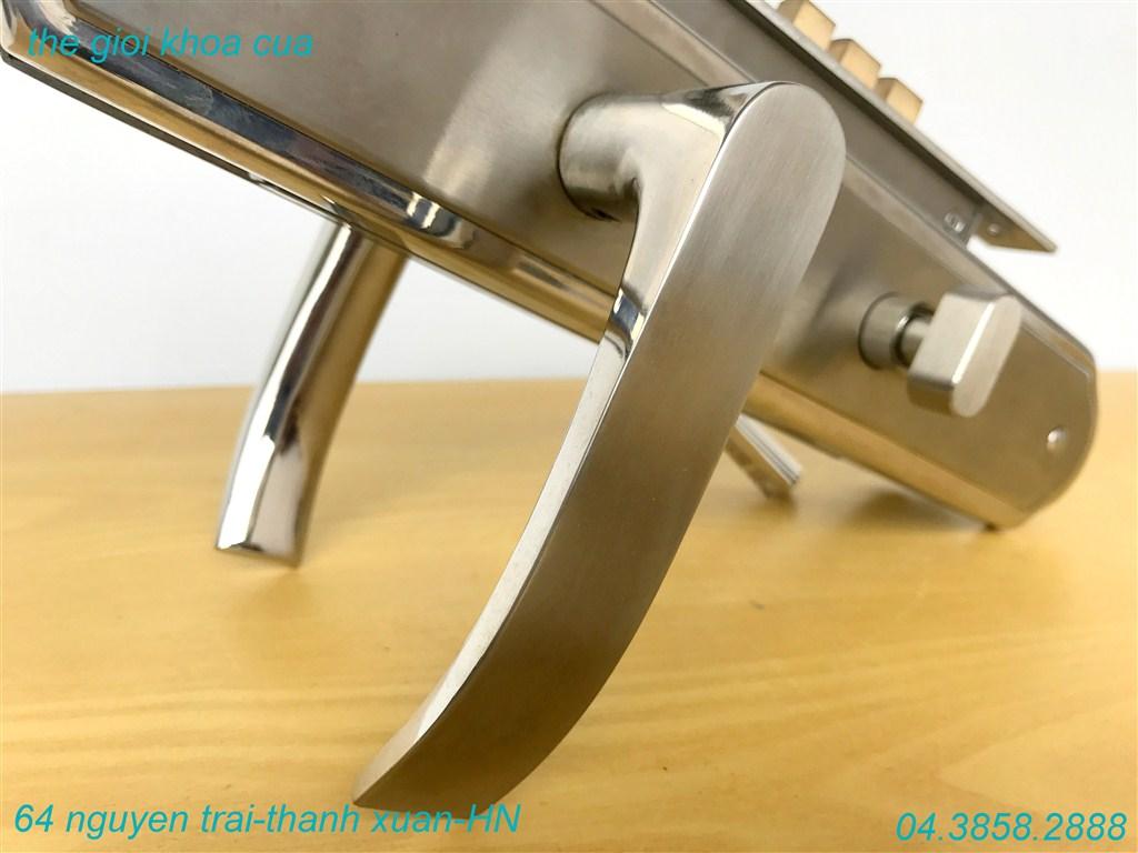 ảnh mẫu dòng khóa cửa chính inox zl 7