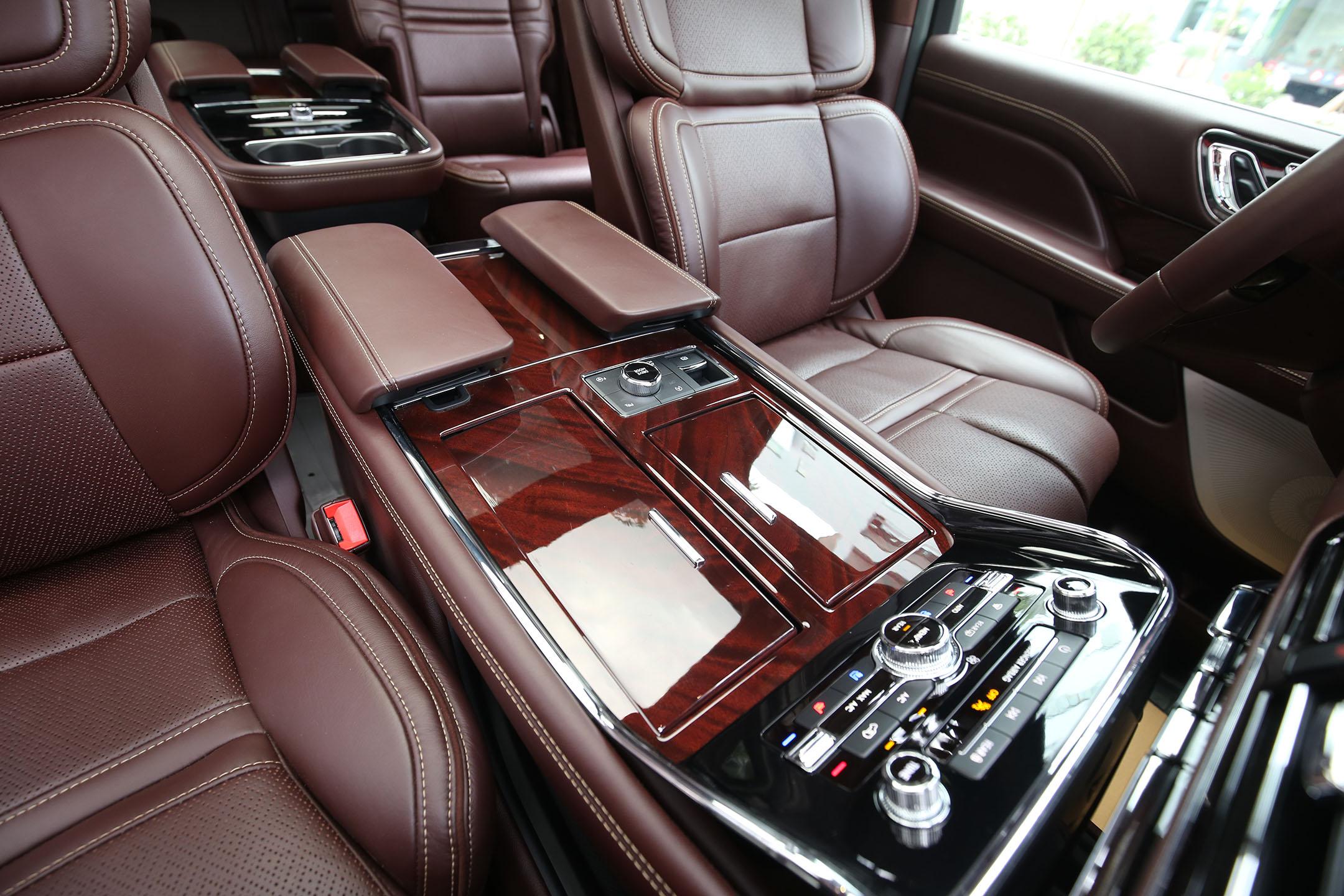 Lincoln Navigator Black Label L