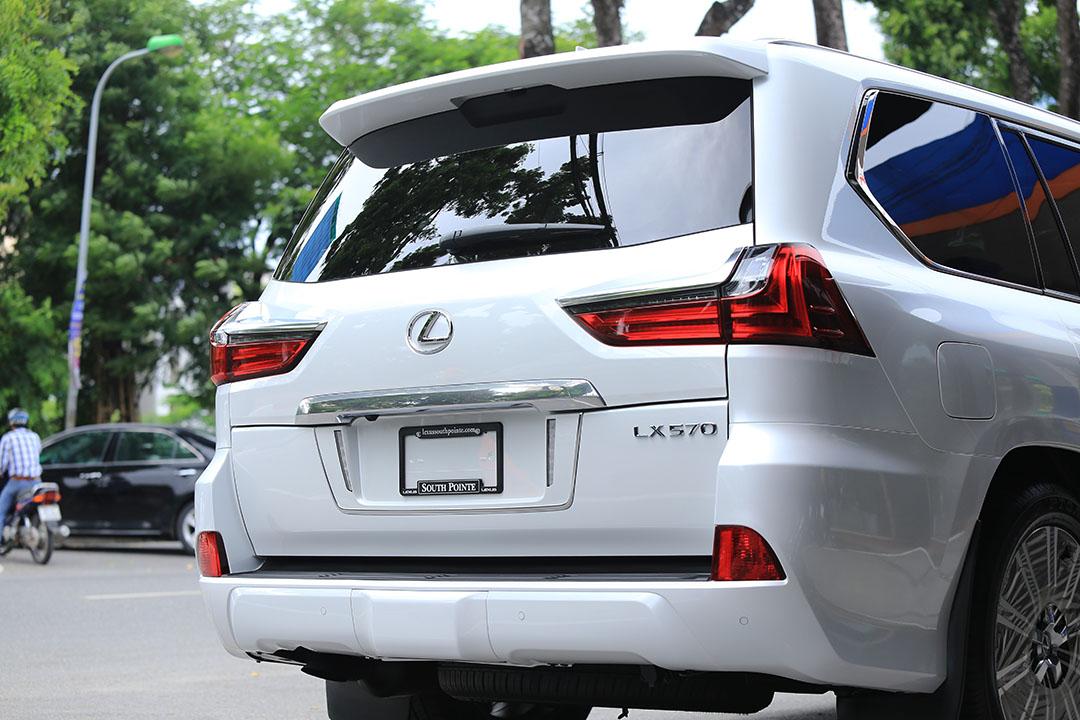 LEXUS LX570 NHẬP MỸ 2018