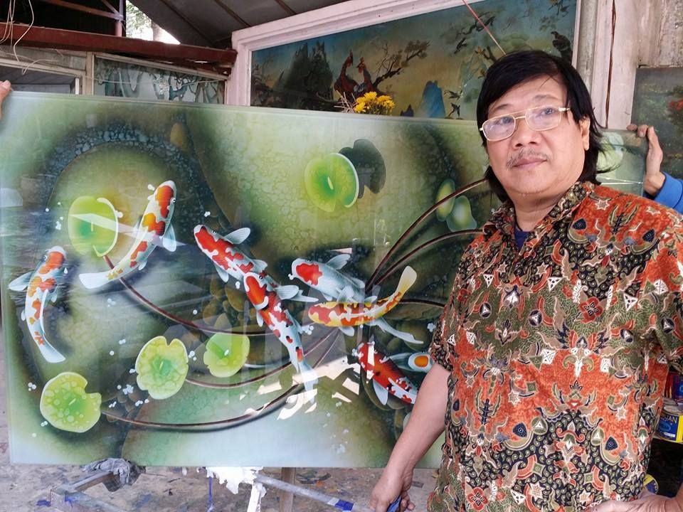 Glass painting in Vietnam
