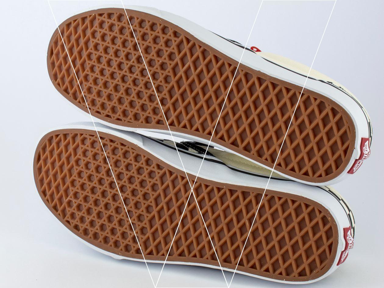2da99d4fe0 VANS Slip-on nổi tiếng nhờ tấm đệm Waffe dưới đế giày bởi chất liệu bền bỉ  và đàn hồi cao